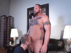 Bodybuilder Magnus Blowjob by Sean