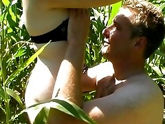 French babe pussy fucking in the field
