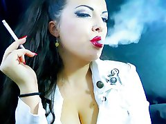 ALEXXXYA SMOKING