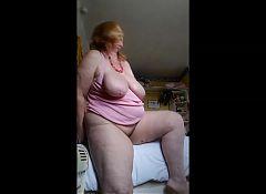 horny housewife cums again